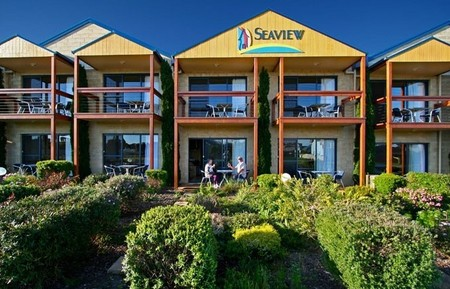 Seaview Motel  Apartments - Southport Accommodation