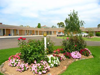 Bega Village Motor Inn - Southport Accommodation