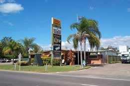 Queens Beach Motor Hotel - Southport Accommodation