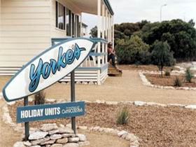 Yorke's Holiday Units - Southport Accommodation