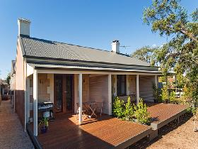 Strathalbyn Villas - Southport Accommodation
