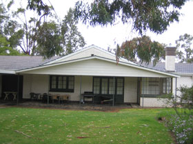 Naracoorte Cottages - Pinkerton Hill - Southport Accommodation