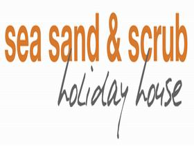 Sea Sand and Scrub Holiday House - Southport Accommodation