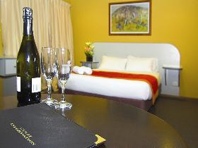 Victoria Hotel - Strathalbyn - Southport Accommodation