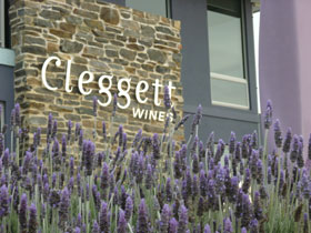 Cleggett Wines - Southport Accommodation