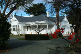 Huonville Guesthouse - Southport Accommodation