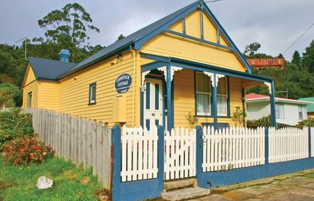Comstock Cottage - Southport Accommodation