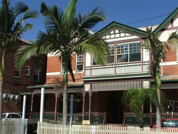 Maclean Hotel - Southport Accommodation