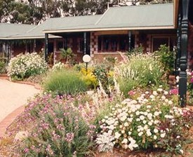 Red Gum Lagoon Cottages - Southport Accommodation