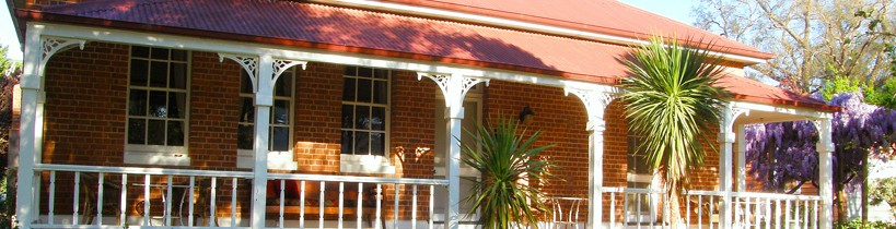 Araluen Old Courthouse Bed and Breakfast - Southport Accommodation
