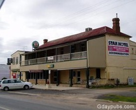 The Star Hotel - Southport Accommodation