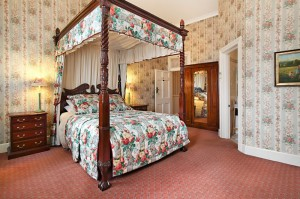 The Old George And Dragon Guesthouse - Southport Accommodation
