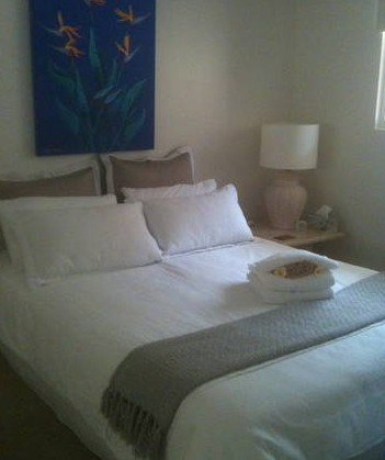 Absolute Beachfront Manly Bed and Breakfast - Southport Accommodation