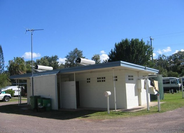 Armstrong Beach Caravan Park - Southport Accommodation