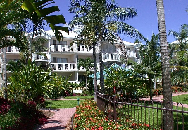 Australis Cairns Beach Resort - Southport Accommodation
