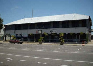 Burdekin Hotel - Southport Accommodation