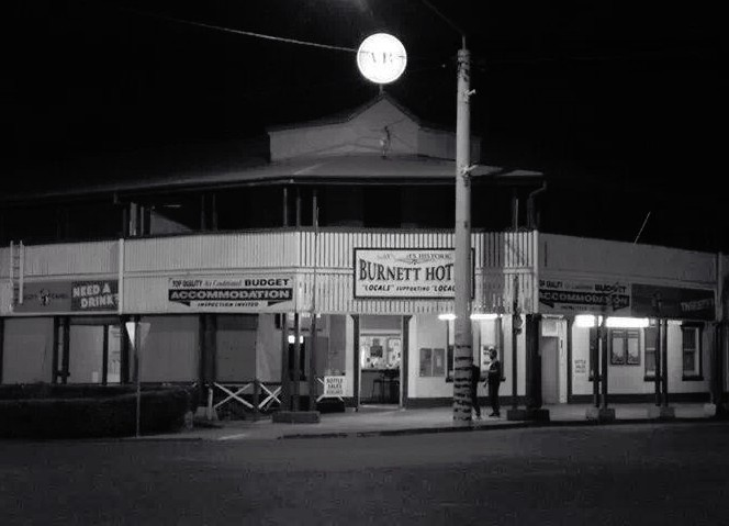 Burnett Hotel - Southport Accommodation