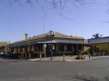 Woolshed Inn Hotel - Southport Accommodation