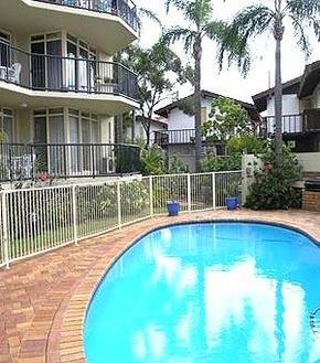 Bayview Beach Holiday Apartments - Southport Accommodation
