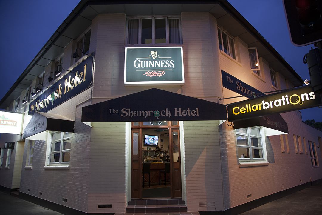 Shamrock Hotel - Southport Accommodation