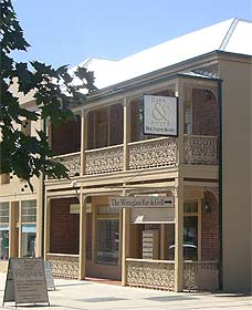 Cobb  Co Court Boutique Hotel - Southport Accommodation
