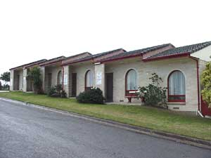 Oyster Court Motel - Southport Accommodation
