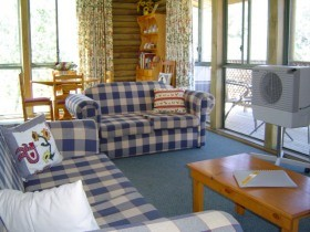 Myrtle Creek Cottages - Southport Accommodation