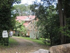 Byfield Creek Lodge Rain Forest Retreat