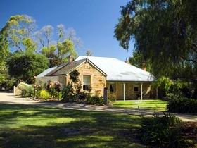 Evelyn Homestead - Southport Accommodation
