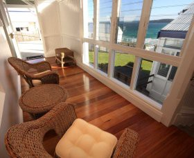 Sugarloaf Point Lighthouse Holiday Accommodation - Southport Accommodation