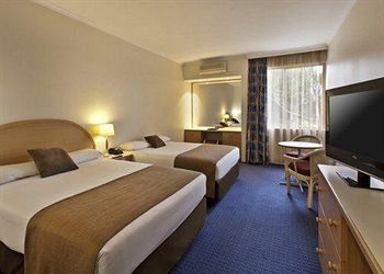 Quality Hotel Manor - Southport Accommodation