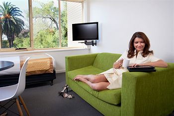 City Edge Serviced Apartments East Melbourne - Southport Accommodation