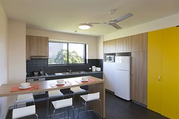 Western Sydney University Village Penrith - Southport Accommodation