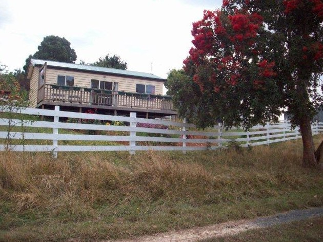 Demeter Farm Cabin - Southport Accommodation
