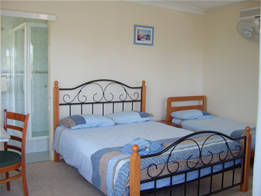 Beale's BedFish  Breakfast - Southport Accommodation