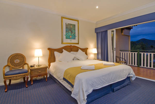 Tinaroo Lake Resort - Holiday Apartments - Southport Accommodation