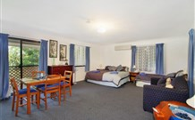 Ambleside Bed and Breakfast Cabins - Southport Accommodation