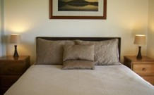 Mystery Bay Cottages - - Southport Accommodation