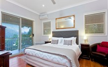 The Acreage Luxury BB and Guesthouse - - Southport Accommodation