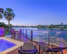 Kurrawa Cove at Vogue Holiday Homes - Southport Accommodation