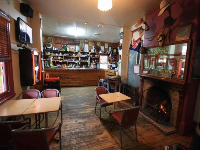 Victoria Hotel Moonan Flat - Southport Accommodation