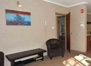 Alanvale Apartments  Motor Inn - Southport Accommodation