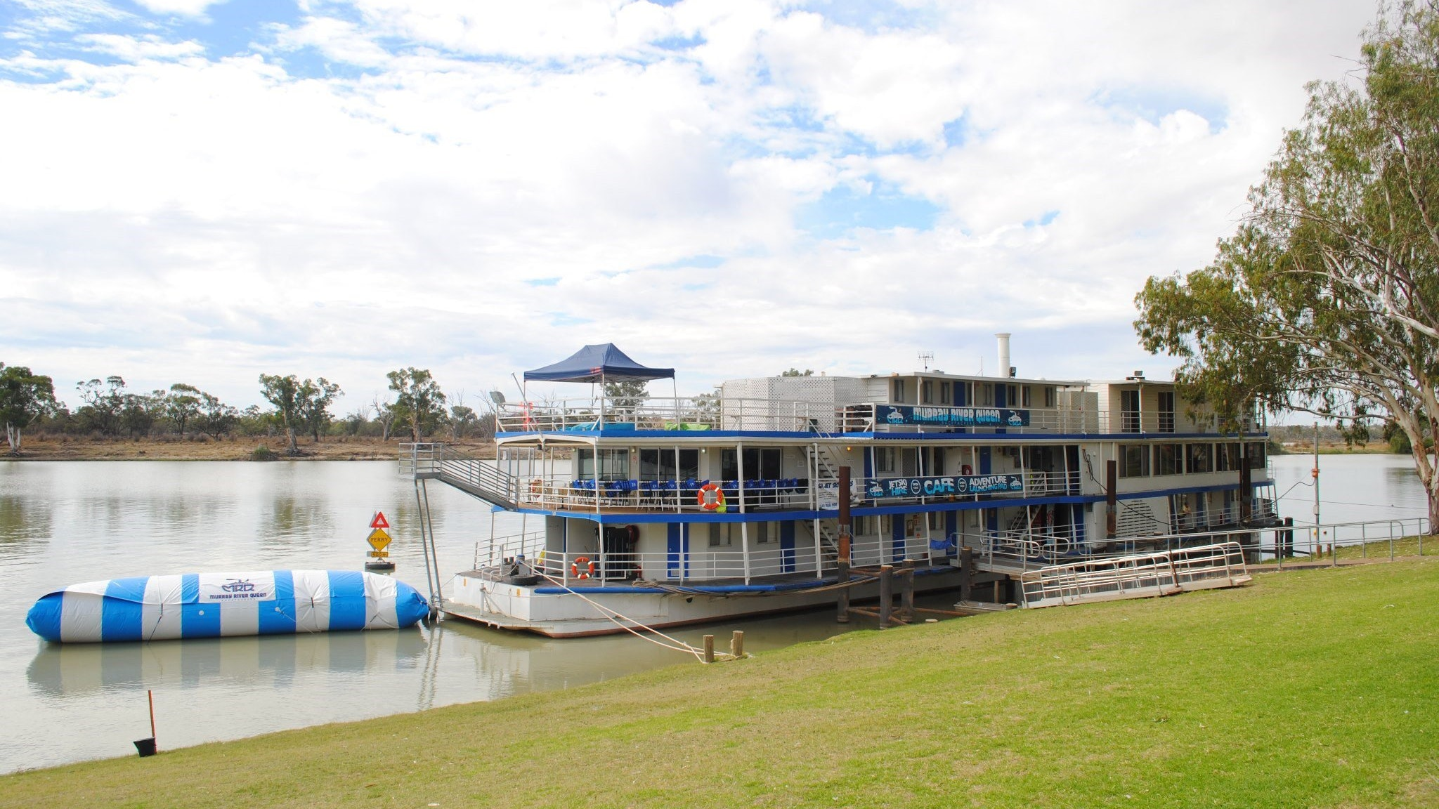 Murray River Queen Backpackers - Southport Accommodation
