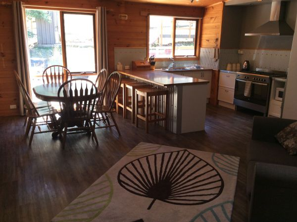 Mole Creek Cabins - Southport Accommodation