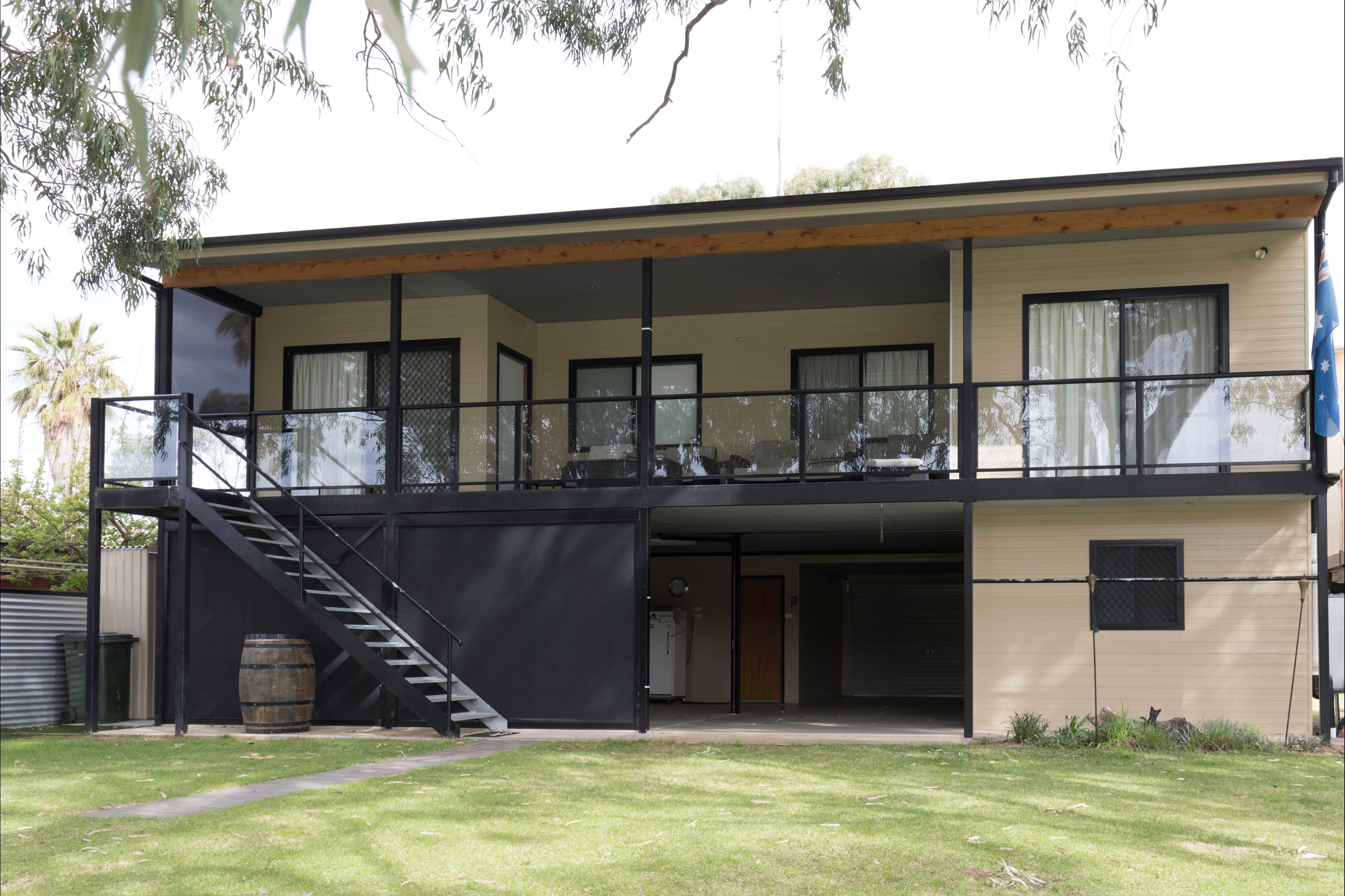 192 Page Drive Blanchetown -River Shack Rentals - Southport Accommodation