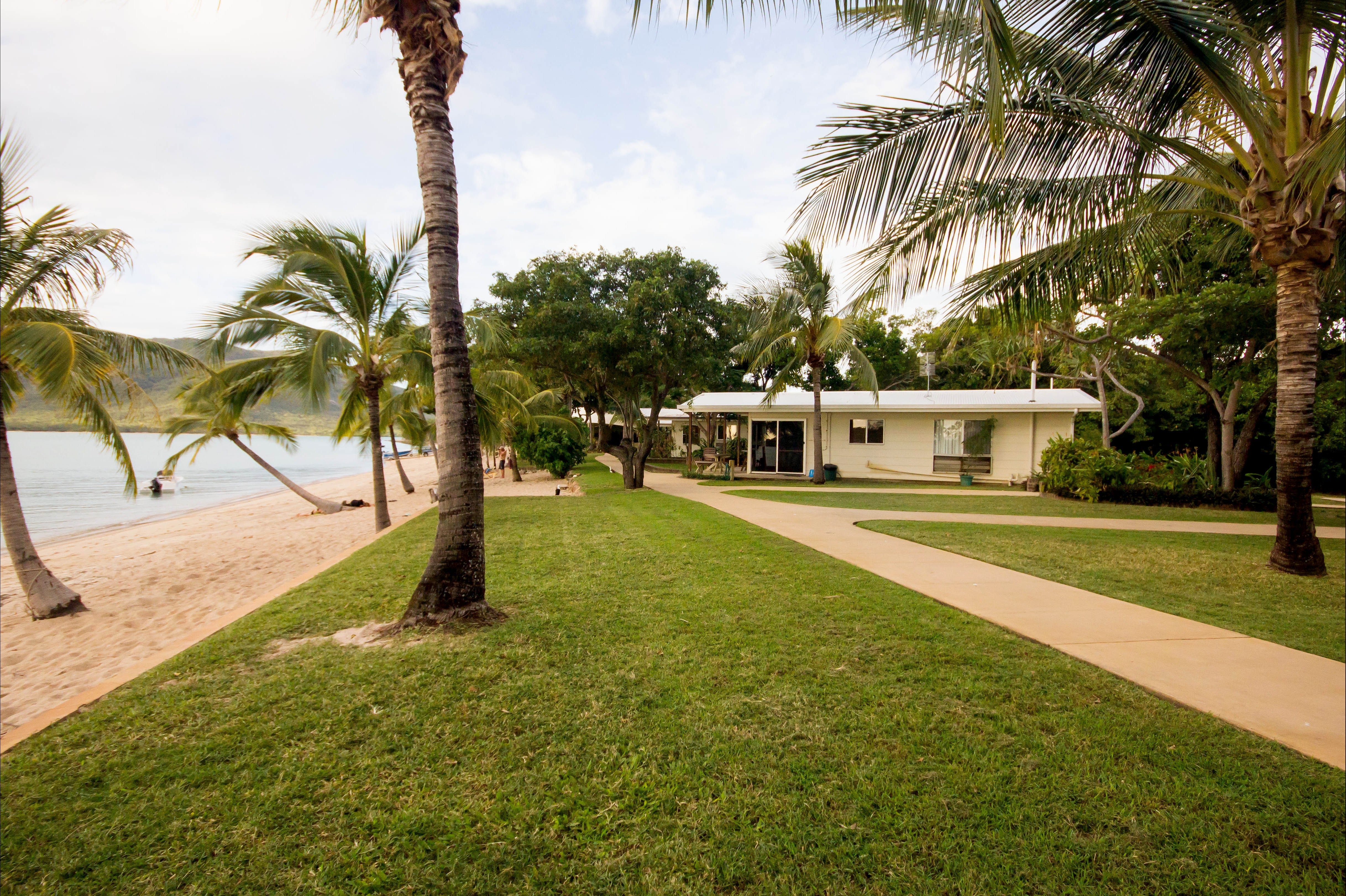 Montes Reef Resort - Southport Accommodation