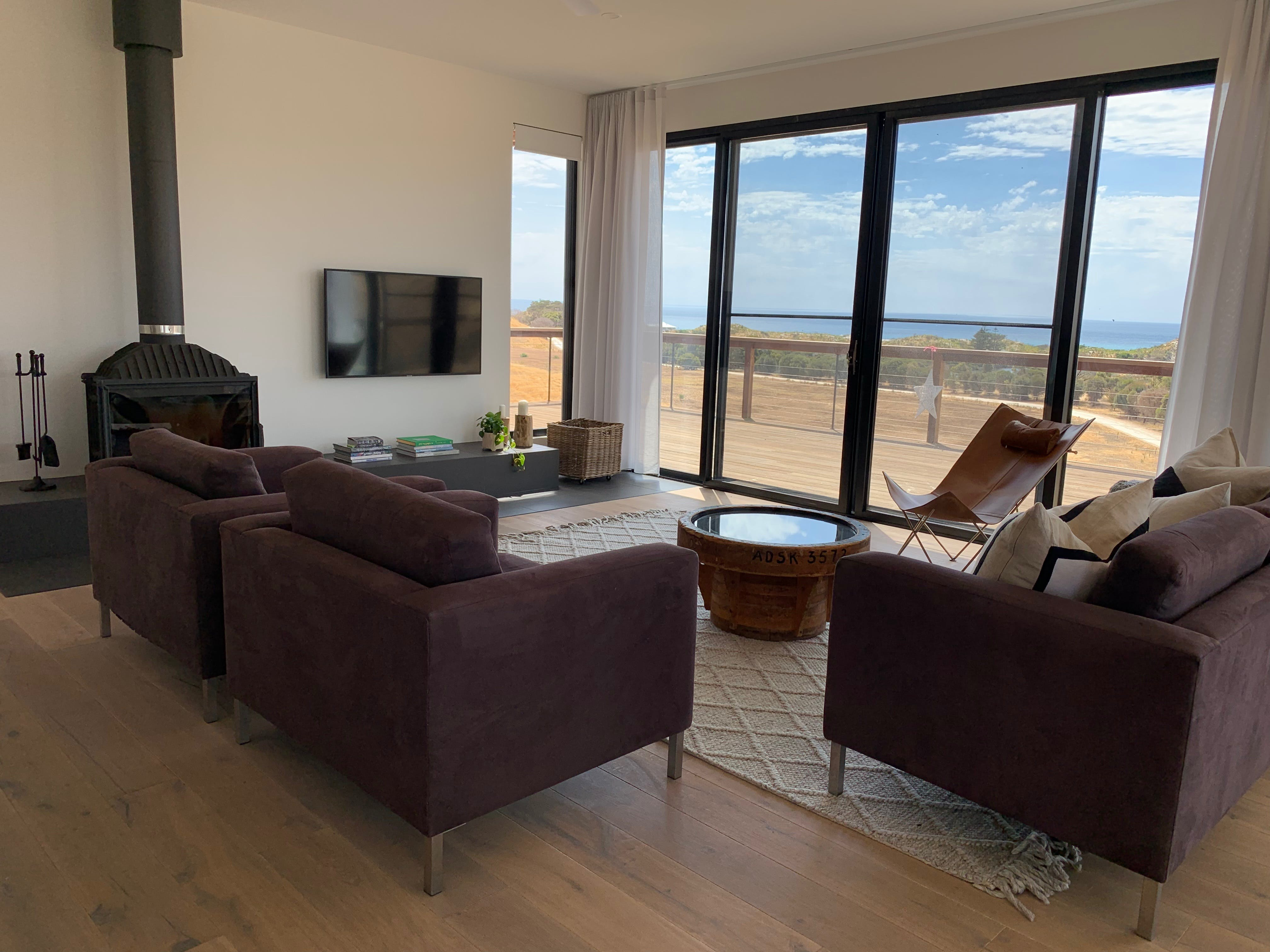 Topdeck at Snelling Beach - Southport Accommodation
