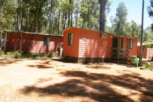 Dwellingup Chalets And Caravan Park - Southport Accommodation