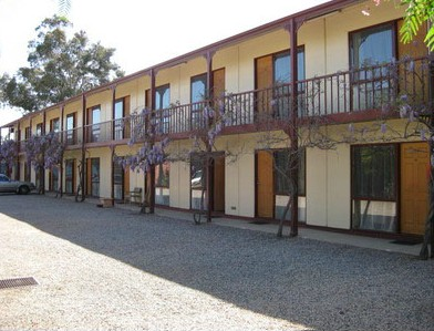 Central Motor Inn Wentworth - Southport Accommodation