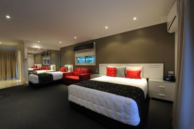 The Gateway Village Holiday Park - Southport Accommodation
